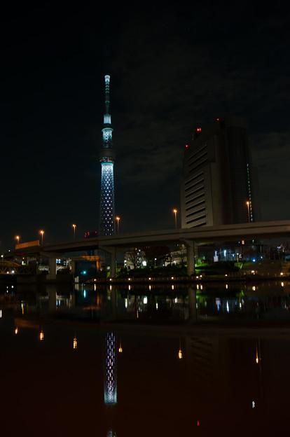 スカイツリー、隅田川を添えて