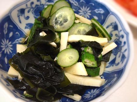 最近のお気に入りは、山芋とオクラの入った酢の物。カニかま入れたい!