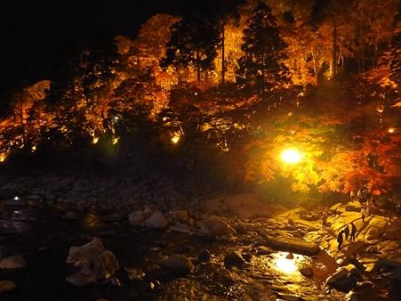 香嵐渓:幻想的なライトアップ