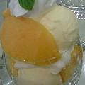 写真: おやつのじかん~♪マンゴーパフェだよ~んヽ(´▽`)/おいひぃ~