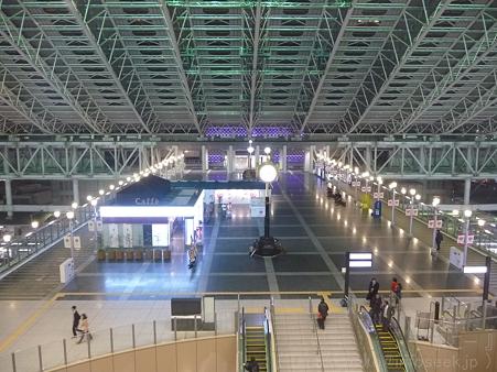 120305-大阪駅 (11)