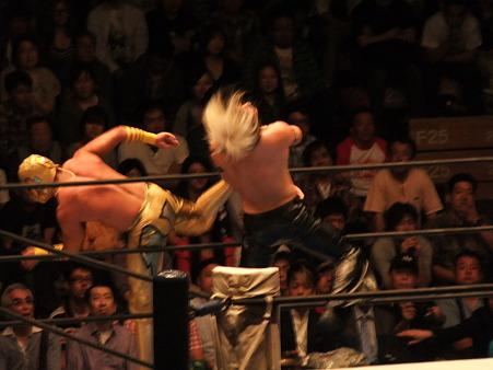 新日本プロレス BEST OF THE SUPER Jr.XIX Aブロック公式戦 アンヘル・デ・オロvsタイチ (3)