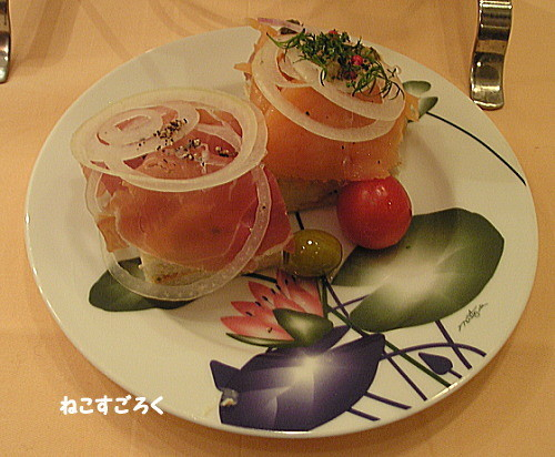 サロン・ド・テ シェ松尾 伊勢丹浦和店 アフタヌーンティーセット 3段目 サンドイッチ