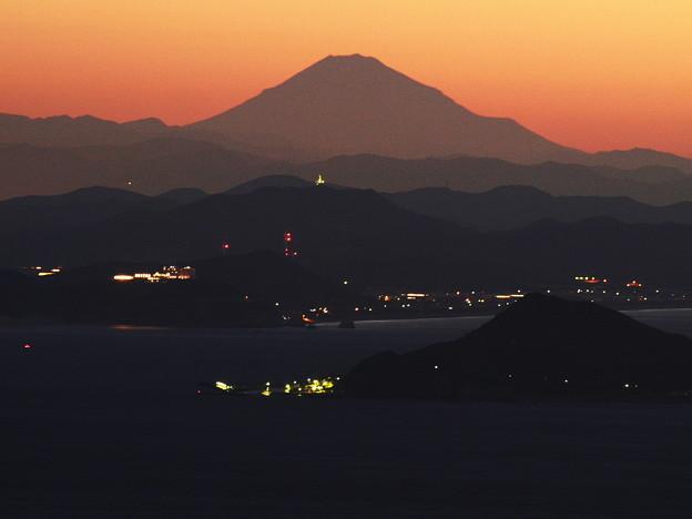 夜明け前の麗峰