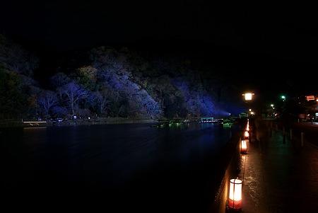 嵐山霊光・灯路