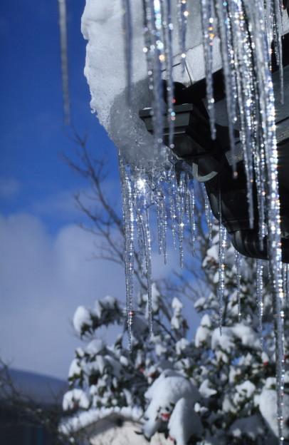 ツララ ☆彡  雪後の青空