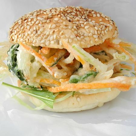 野菜かきあげバーガー(道の駅・大和路へぐり【奈良】