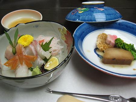 晩御飯刺身と揚げ物